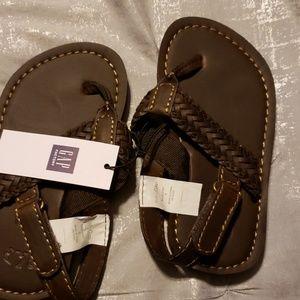 Gap boys Brown leather sandals NWT